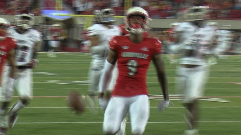 UofL receiver Ahmari Huggins-Bruce drops ball at two yard line before reaching end zone