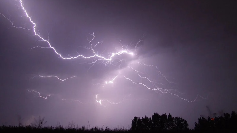 A generic picture of lightning.