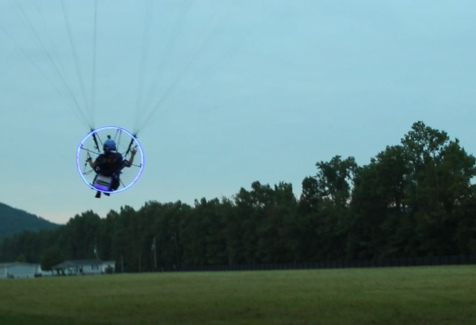 Here's Brent Coots taking off on his motorized parasail in Shepherdsville. (Source: WAVE 3 News)