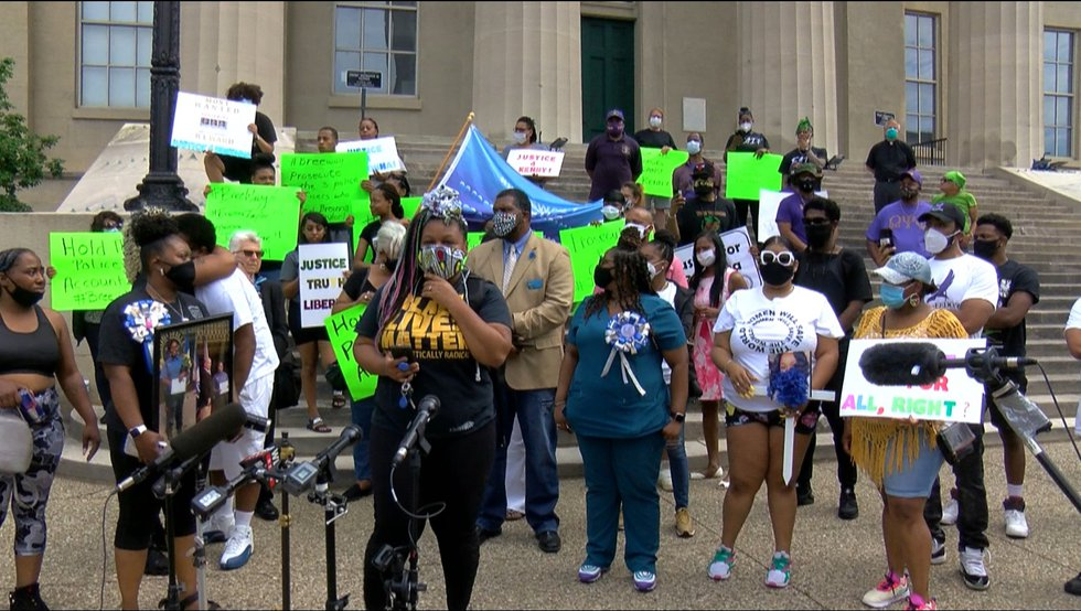 On Tuesday, family of Breonna Taylor and Kenneth Walker joined with national activists in a...