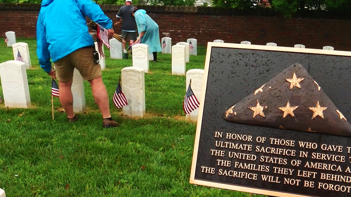 Memorial Day event at Cave Hill National Cemetery on May 28, 2021