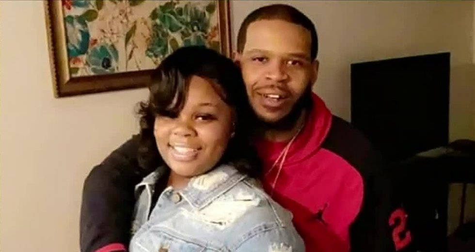 Breonna Taylor's neighbors on Friday described the drama that unfolded on their street back in...