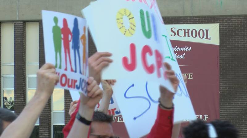 Teachers and students showed up early for class Wednesday at Doss High School. (Source: WAVE 3...