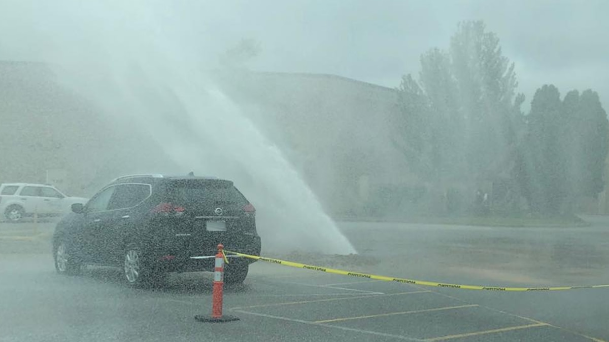 Hardin County Water District No. 2 confirmed that crews are currently working to fix a water...