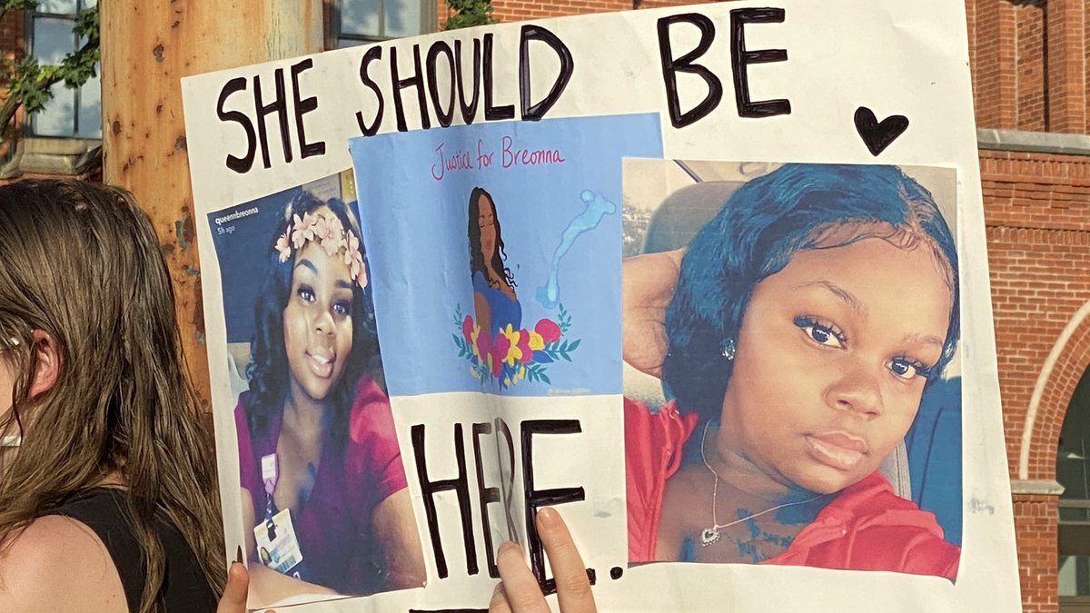 Protesters are holding a vigil for Breonna Taylor in Washington Park.