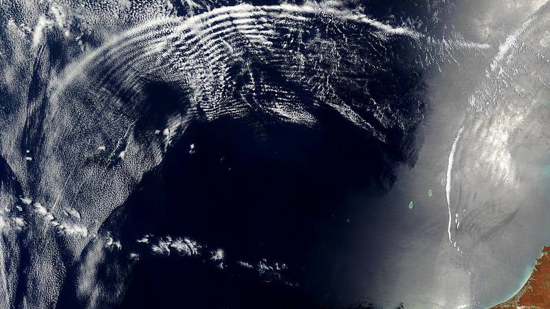 Atmospheric gravity waves and internal waves off the coast of Australia.