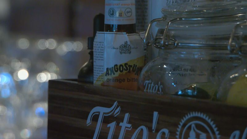 Louisville bars, restaurants prepare for Memorial Day weekend business as COVID rules ease