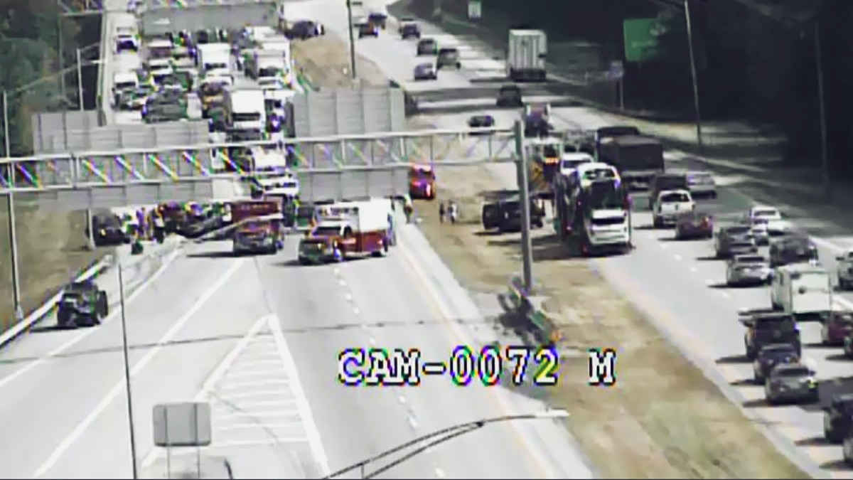 Watterson Expressway crash near Exit 22.