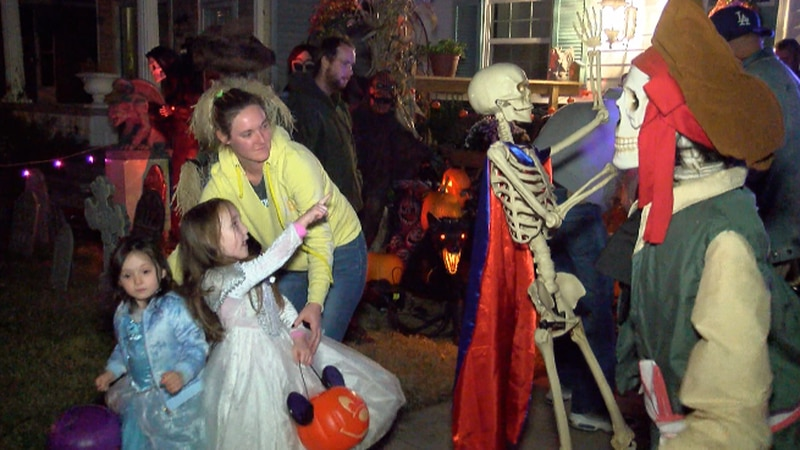 A home continues to give exciting decorations throughout October.