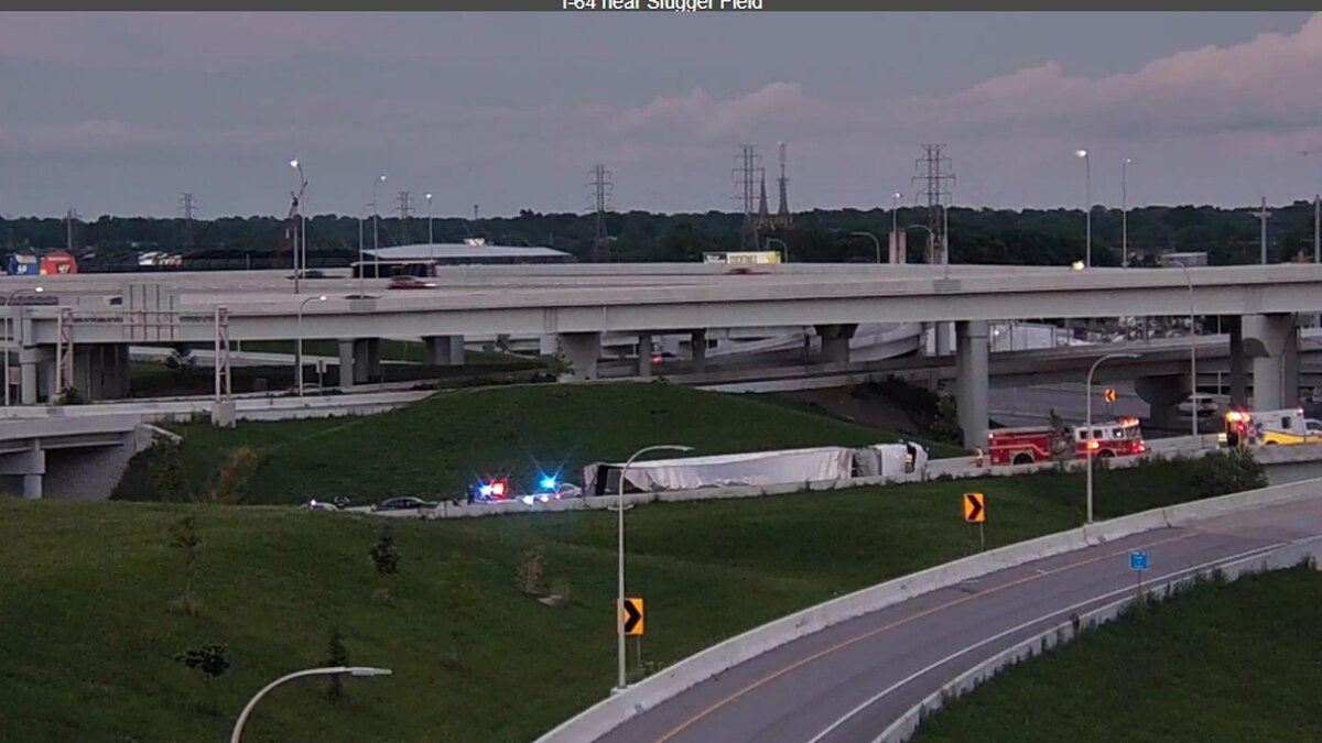 The semi is blocking the ramp from I-64 West to I-65 South. (Source: Trimarc)