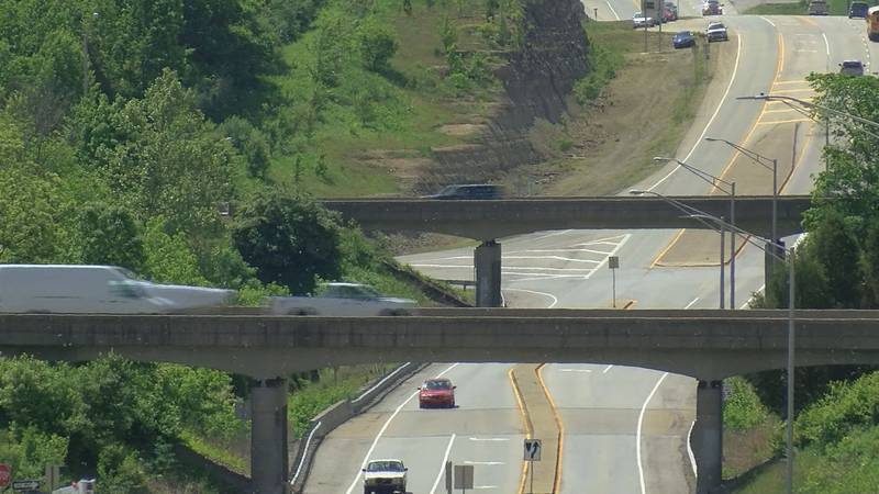 I-71 runs over LaGrange Parkway but does not connect. Soon, a new exit will make that happen....