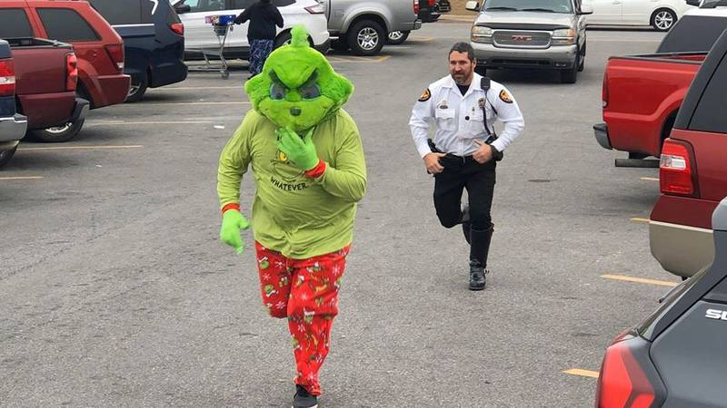 After running from police all over Pascagoula, officers finally arrested the Grinch this week,...