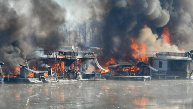 House boats on fire at Hoosier Hills Marina in Dubois County.