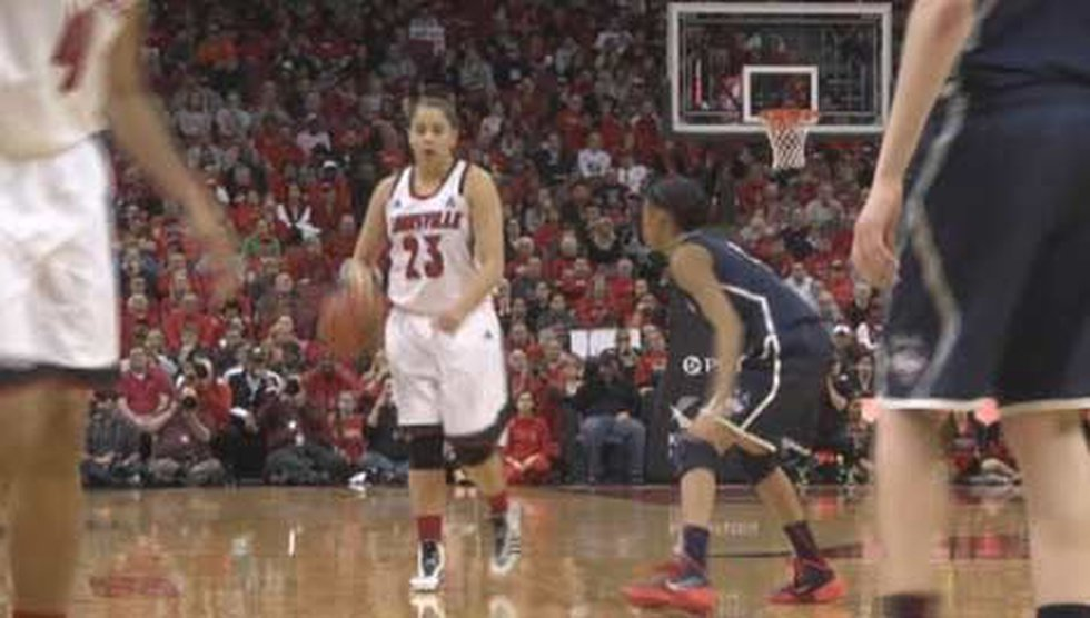 Shoni Schimmel in the game against top ranked UConn Monday.