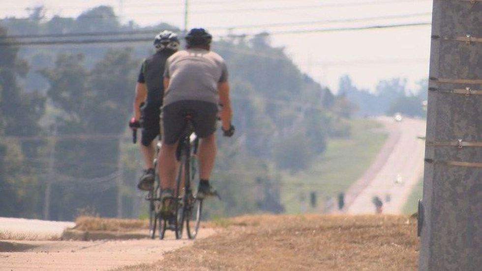 Davis plans to make a 400-mile bike trip in support of a Kentucky clerk. (Source: WAVE 3 News)