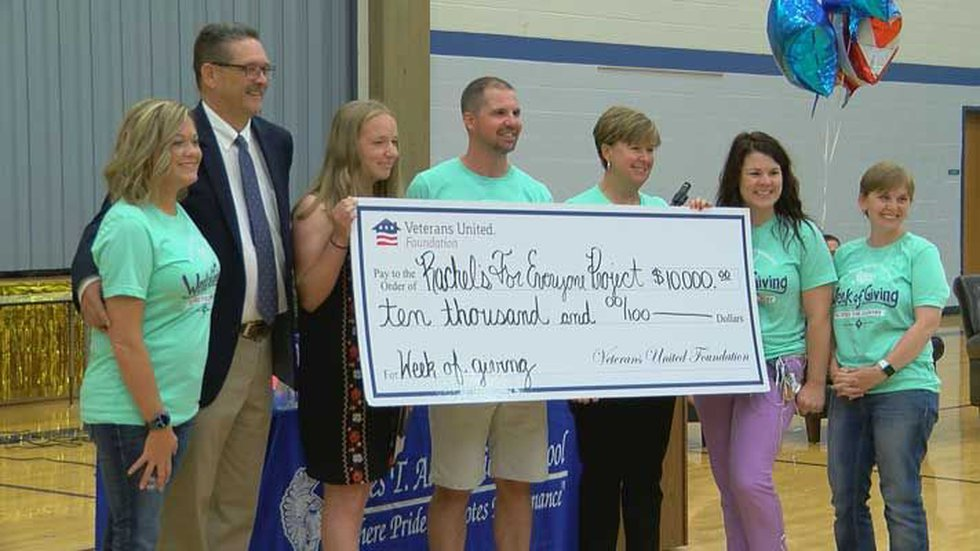 A surprised Rachel received a $10,000 check for her project. (Source: Sharon Yoo, WAVE 3 News)