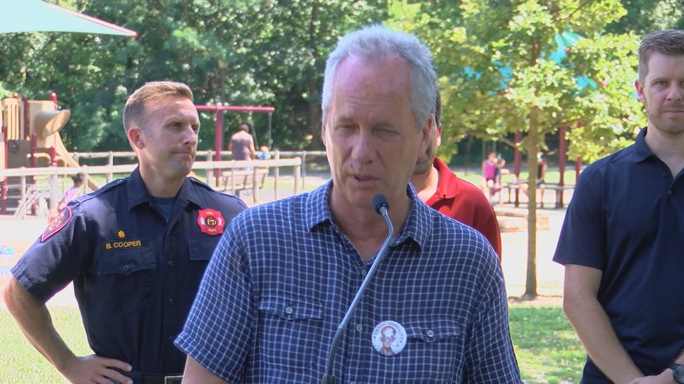 Fischer gathered Metro officials from all departments to discuss potential heat dangers.
