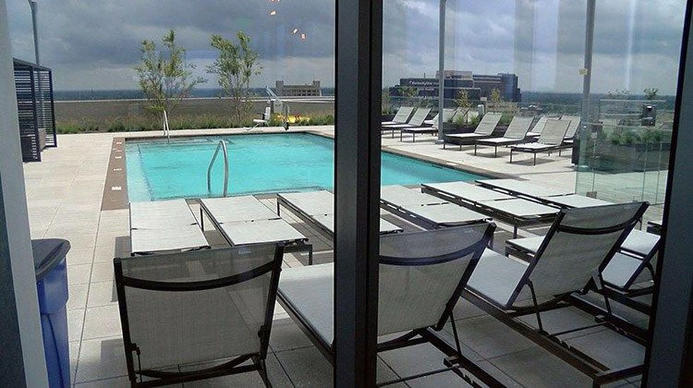 A rooftop pool at the Omni. (Source: WAVE 3 News)
