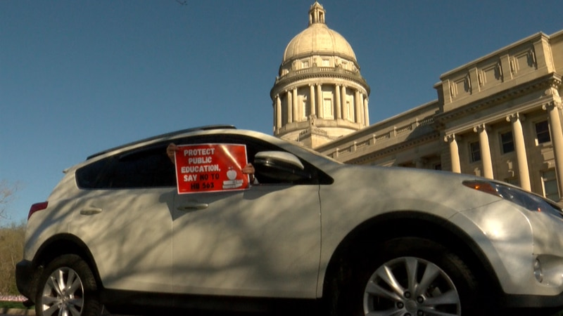 Teachers Protest HB 563 at Kentucky state capitol