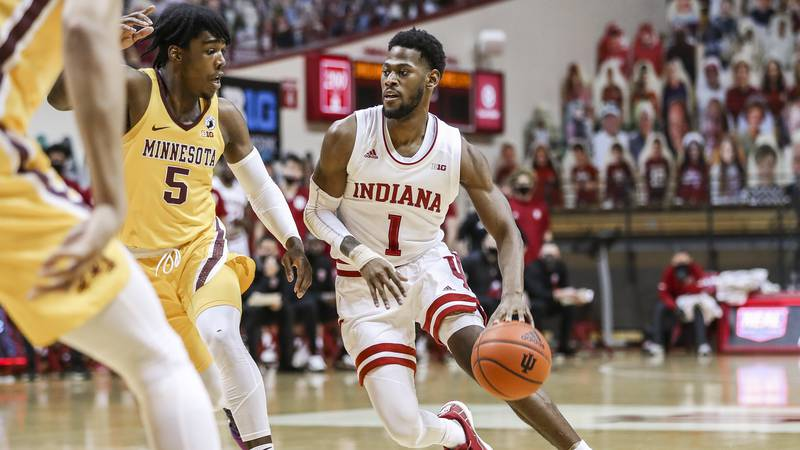 BLOOMINGTON, IN - FEBRUARY 17, 2021 - \mbb during the game between the Minnesota Golden Gophers...